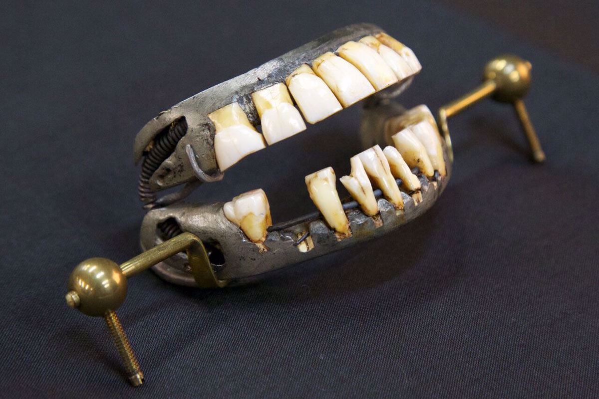 Washingtons Dentures