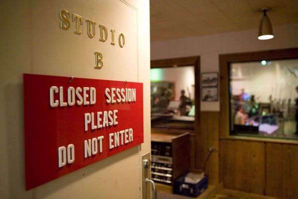 Inside details from famous recording sessions
