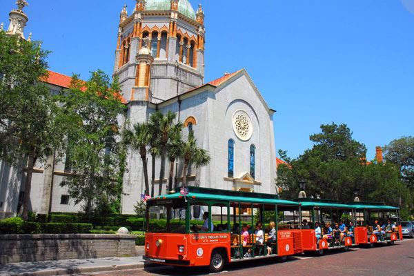 Old Town Trolley at Flagler Memorial Church