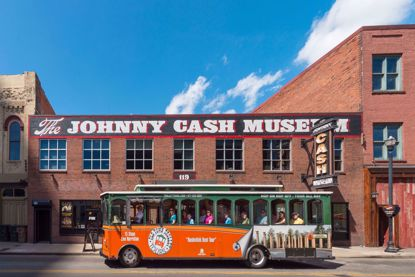 Old Town Trolley & Country Music Hall of Fame